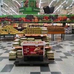 Photo taken at Walmart by 🌺🌼💋Helgi Escareño⭐️📱 on 4/12/2015