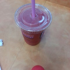 Photo taken at Dunkin' Donuts by Raymond S. on 6/17/2013