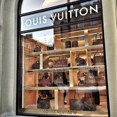 Photo taken at Louis Vuitton by Tommy S. on 12/16/2012