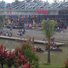 Photo taken at Ah Poong (Pasar Apung Sentul City) by Hafni I. on 1/1/2013