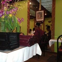 Photo taken at Thai Basil by Leslie L. on 11/25/2012