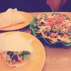 Photo taken at Dos Tacos by 우네 이. on 12/15/2012