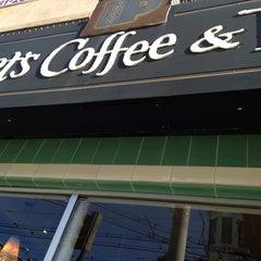 Photo taken at Peet's Coffee & Tea by Owen G. on 5/30/2014