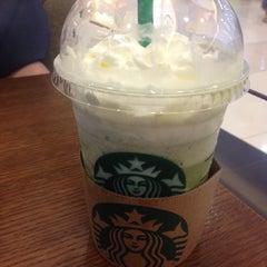 Photo taken at Starbucks (สตาร์บัคส์) by Chechy P. on 9/2/2015