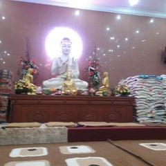Photo taken at Indonesia Theravada Buddhist Centre (ITBC) by Alvin R. on 9/5/2013