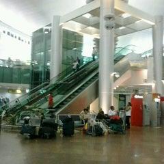 Photo taken at Aeroporto Internacional de Maceió / Zumbi dos Palmares (MCZ) by TONY A. on 2/15/2013