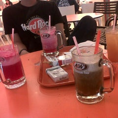 Photo taken at A&W by Hadaart N. on 1/15/2013