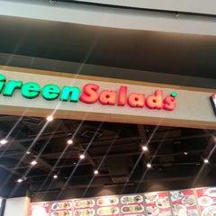 Photo taken at Green Salads by Tengiz L. on 3/31/2013