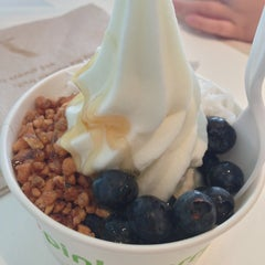 Photo taken at Pinkberry by Traci on 6/7/2013