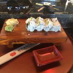 Photo taken at Momotaro Japanese Restaurant by Tynno B. on 10/6/2014