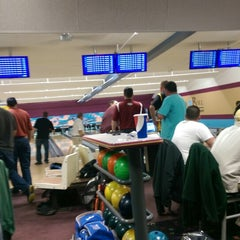 Photo taken at Bowl-A-Roll Lanes by Rick R. on 10/21/2014