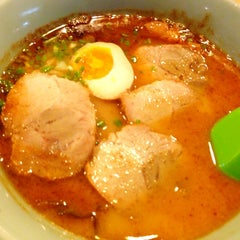 Photo taken at K-ca Ramen (เคกะ ราเมน) by Oil R. on 7/26/2013