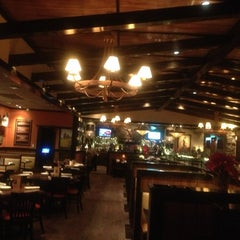 Photo taken at LongHorn Steakhouse by Craig G. on 12/23/2012