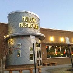 Photo taken at Mellow Mushroom by Tai L. on 11/23/2012