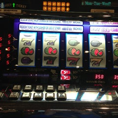 Photo taken at Feather Falls Casino & Lodge by Kheem B. on 7/27/2013