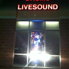 Photo taken at Guitar Center by Rosa R. on 1/19/2013