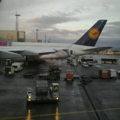 Photo taken at Lufthansa Flight LH 720 by Enrico Z. on 11/10/2013