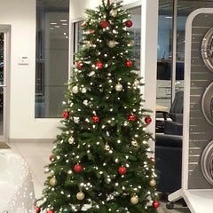 Photo taken at North Shore Chevrolet of Smithtown by Monica M. on 12/3/2012
