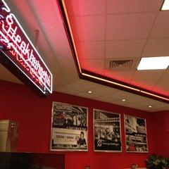 Photo taken at Steak 'n Shake by Lynn S. on 12/7/2012