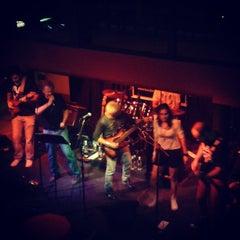 Photo taken at Bar Metrópolis by Vinicius L. on 3/31/2013