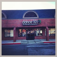 Photo taken at Dance 101 by Erick U. on 2/19/2013