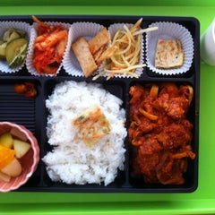 Photo taken at Ace Gourmet Bento by Kyeong Rim M. on 6/25/2014