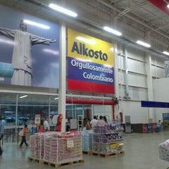 Foto tomada en Alkosto por Vito Manuel R. el 12/29/2012
