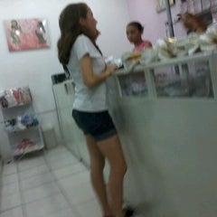 Photo taken at Shopping dos Fabricantes 2 by Bruno R. on 1/14/2013