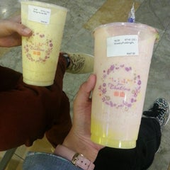 Photo taken at Chatime by Fatin N. on 11/20/2014