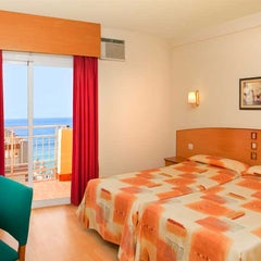 Foto tomada en Hotel RH Sol Benidorm por Hoteles RH el 1/17/2014