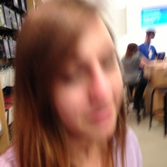 Photo taken at Apple Store by Sal on 4/10/2013