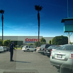 Photo taken at Costco by Durazno B. on 12/15/2012