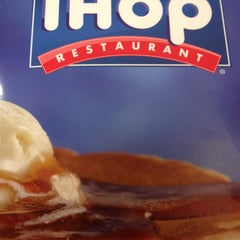 Photo taken at IHOP by Lorenzo R. on 2/2/2013
