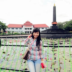 Photo taken at Alun-Alun Kota Malang by Scie S. on 11/27/2013