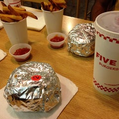 Photo taken at Five Guys by Abdullah N. on 10/11/2013