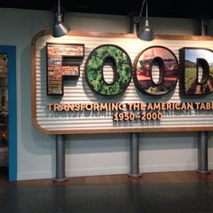 Photo taken at FOOD: Transforming the American Table 1950–2000 by Melenie Y. on 5/13/2014