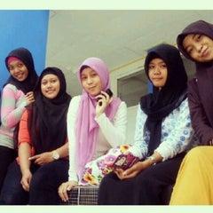 Photo taken at Fakultas Ekonomi Universitas Mulawarman by sri w. on 6/13/2013