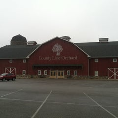 Photo taken at County Line Orchard by Shiz Z. on 1/13/2013