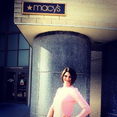 Photo taken at Macy's by Elena L. on 11/30/2013
