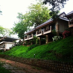 Photo taken at Chiang Khong Teak Garden by Detpoom J. on 6/6/2013