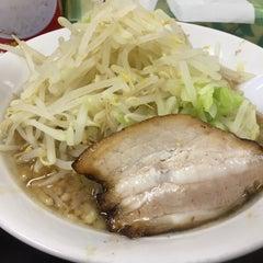 Photo taken at らーめん ぎょうてん屋 町田店 by おおうら ヒ. on 6/9/2015