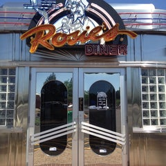 Photo taken at Rosie's Diner by Wade D. on 7/20/2013