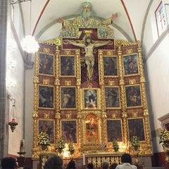 Photo taken at La Parroquia De San Gabriel Arcángel by Ernesto G. on 6/23/2015