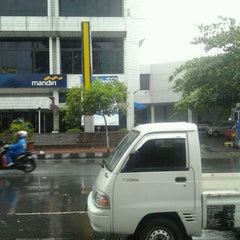 Photo taken at Bank Mandiri by Tri Y. on 10/28/2011
