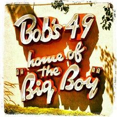 Photo taken at Bob's Big Boy by Danyel M. on 8/26/2012