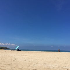 Photo taken at Hāpuna Beach State Recreation Area by Bee T. on 8/27/2015