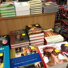 Photo taken at The Book Warehouse by Mihhail R. on 1/16/2013