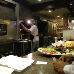 Photo taken at Villa Chicken & Grill by Fernando N. on 5/24/2013