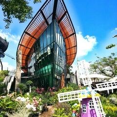 Photo taken at Siam Orchid Center (ศูนย์กล้วยไม้สยาม) by Assanai J. on 4/27/2014