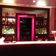 Photo taken at Cosmopolitan Hotel by Urban Cool f. on 3/8/2014